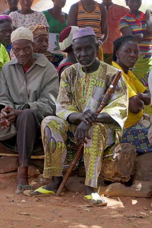 réunion avec les vieux du village, village de Boré, Togo