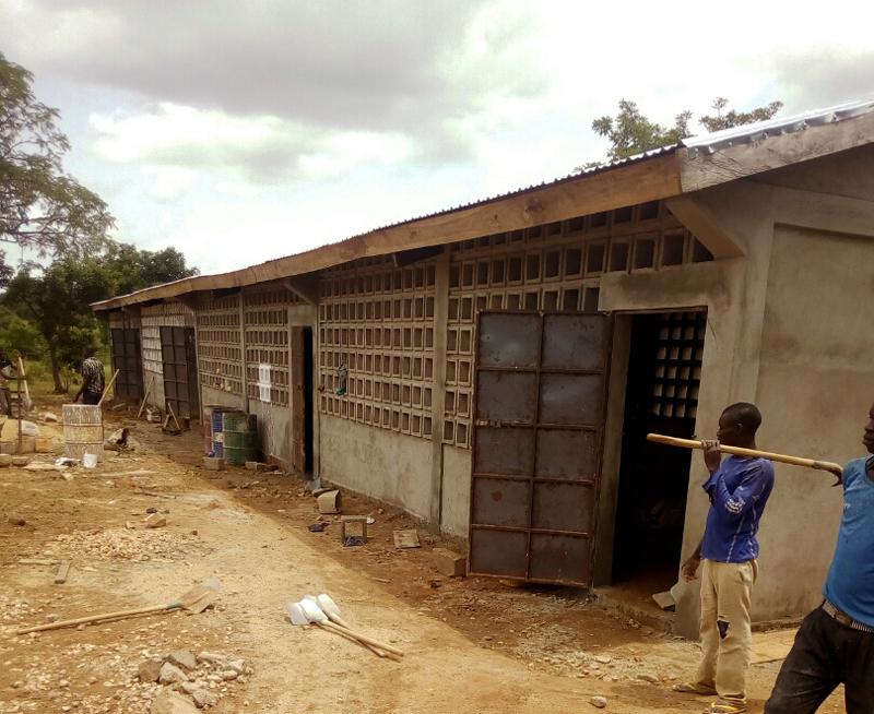 Construction du collège de l'Union des Plateaux, Région des Savanes. Togo