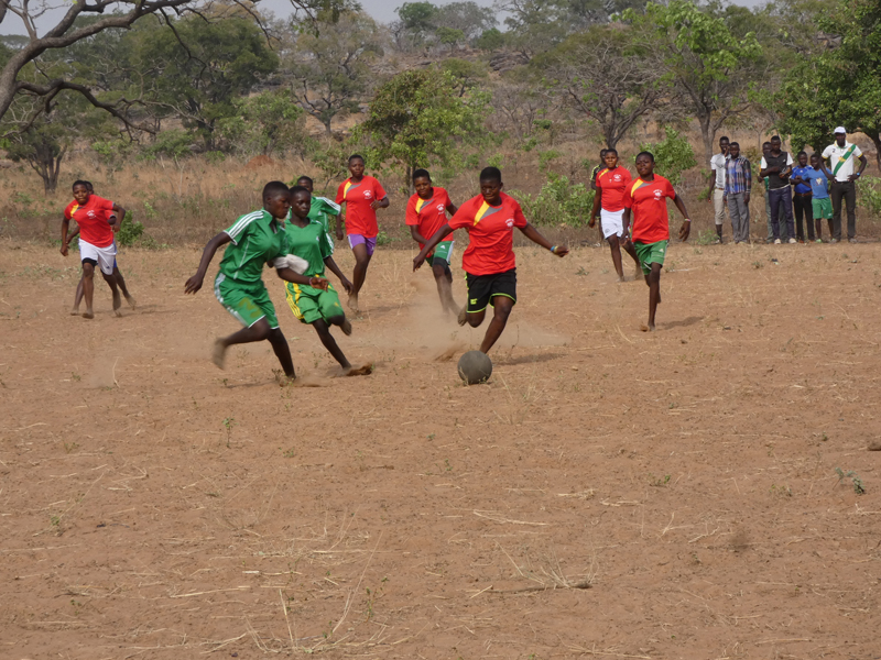 Tournoi de foot, collège de l'Union des Plateaux, Région des Savanes, Togo